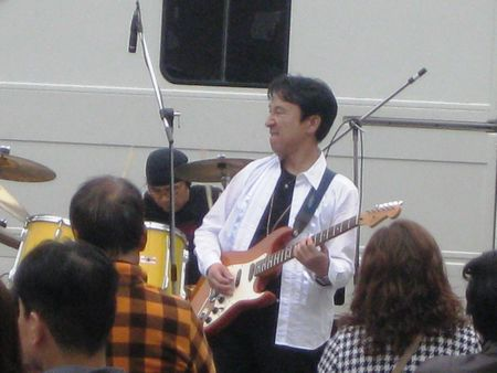 201015